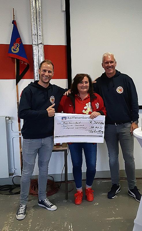 Spendenübergabe an die Feuerwehr 2021
